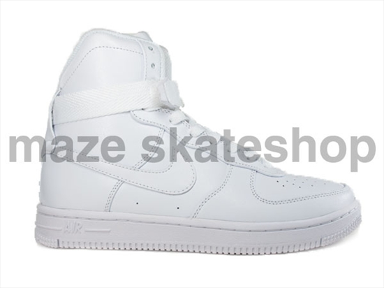 premium selection fed67 962d3 ... Estamos falando do Nike Air Feather High, que traz elementos do já  conhecido Nike Air ...